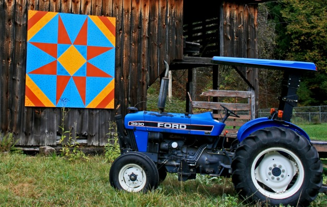 barnquilt with blue tractor