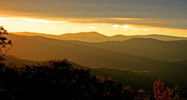 golden sunset from Shen Mtn
