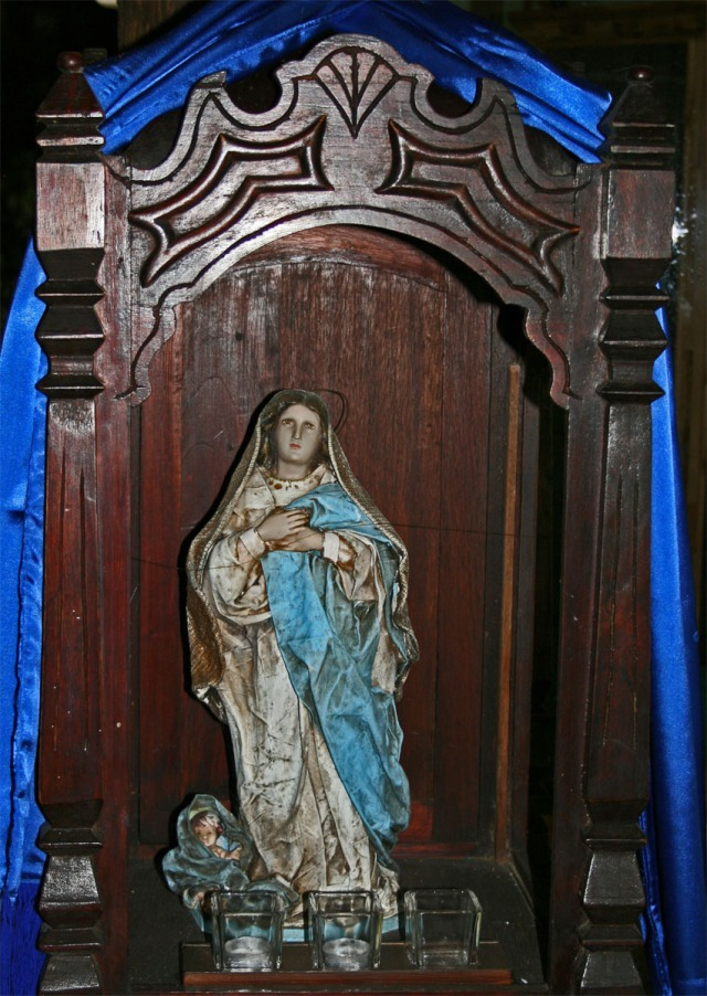 Shrine to La Virgen, Mother Mary