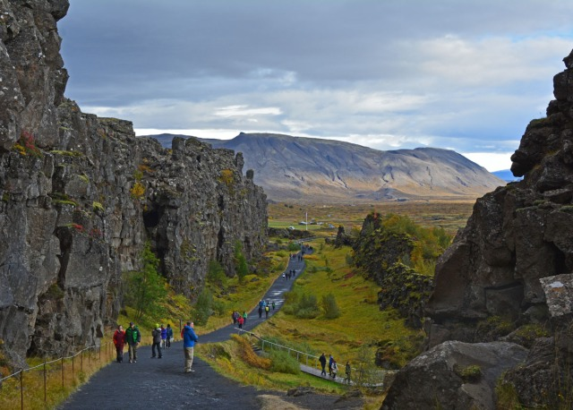 entering-thingvellir